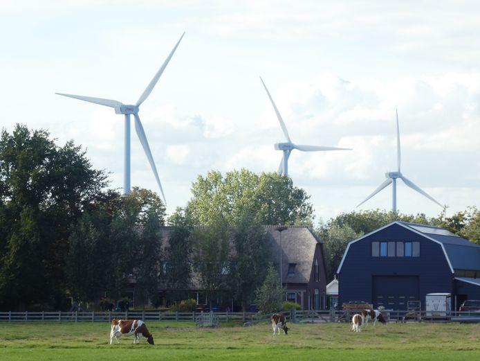 Net als hier bij Lopik komen bij Hoenzadriel drie windmolens te staan.