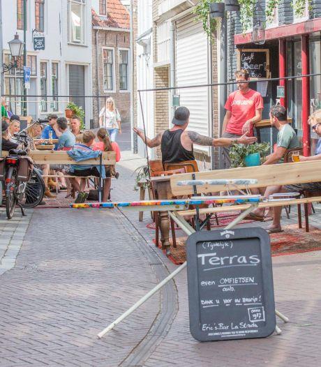 Ook café La Strada in Goes sluit de tent uit angst voor coronaboete: 'Sorry biervrienden, we zijn gesloten'