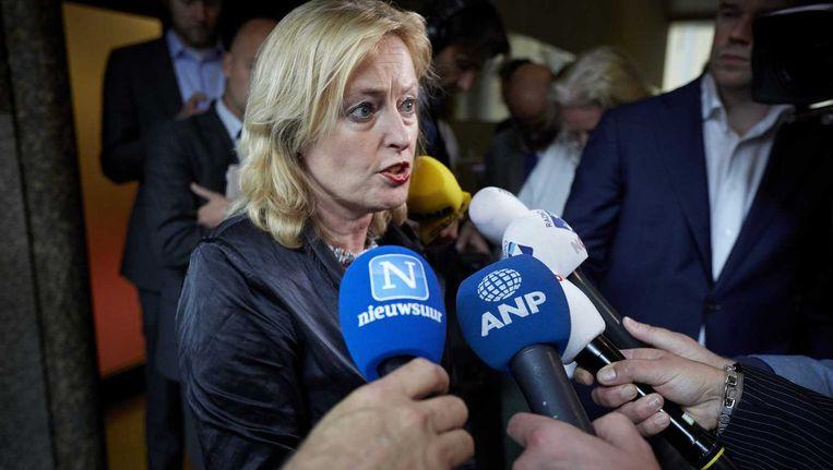 Minister Jet Bussemaker (Onderwijs) kan na maandenlang overleggen rekenen op de steun van oppositiepartijen D66 en Groenlinks wat betreft het leenstelsel voor studenten. Zonder de steun van die partijen is er geen meerderheid voor het voorstel in de Eerste Kamer en die is wel nodig. Beeld anp