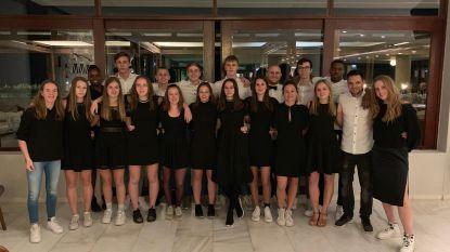 Wat een prestatie! Basketteams atheneum Pegasus knallen op wereldkampioenschap voor scholen