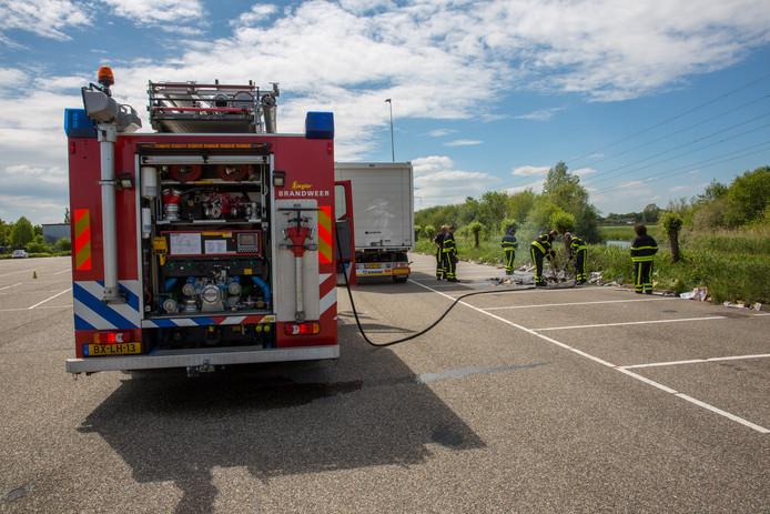 Brandje parkeerplaats De Stok Roosendaal