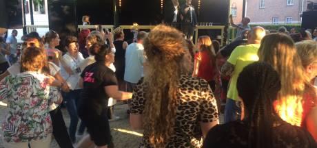 Oss zingt en danst met Jeffrey Heesen tijdens Festival Levenslied