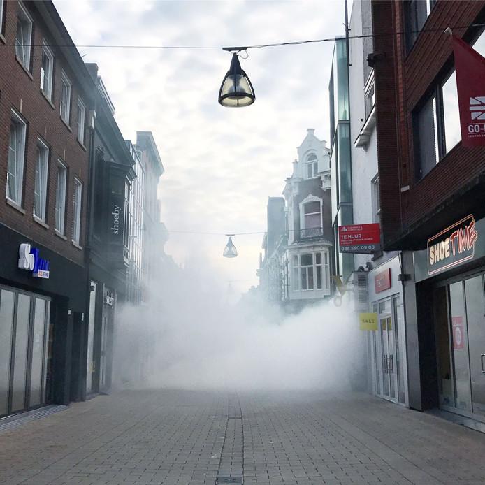 Rook in de Heuvelstraat.