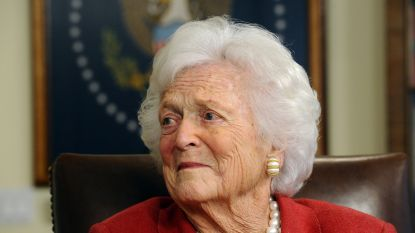 Barbara Bush (1925-2018): Oma van de natie, met witgrijs haar en eeuwige parelsnoer