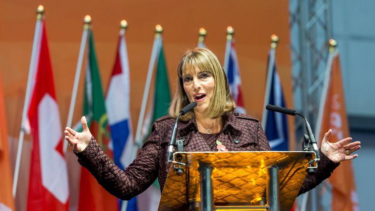 CEO Carolyn McCall aan het woord tijdens de viering van het twintig jarig bestaan van luchtvaartmaatschappij easyJet in Hangar89 op Londen Luton. Beeld anp