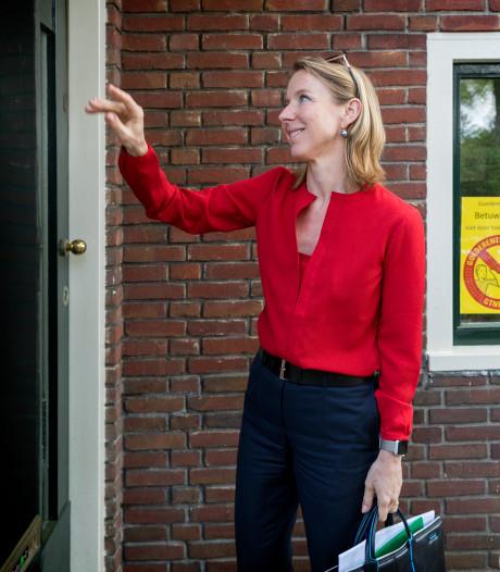 Bezoek staatssecretaris Stientje van Veldhoven geeft spoorbewoners hoop maar neemt zorgen niet weg