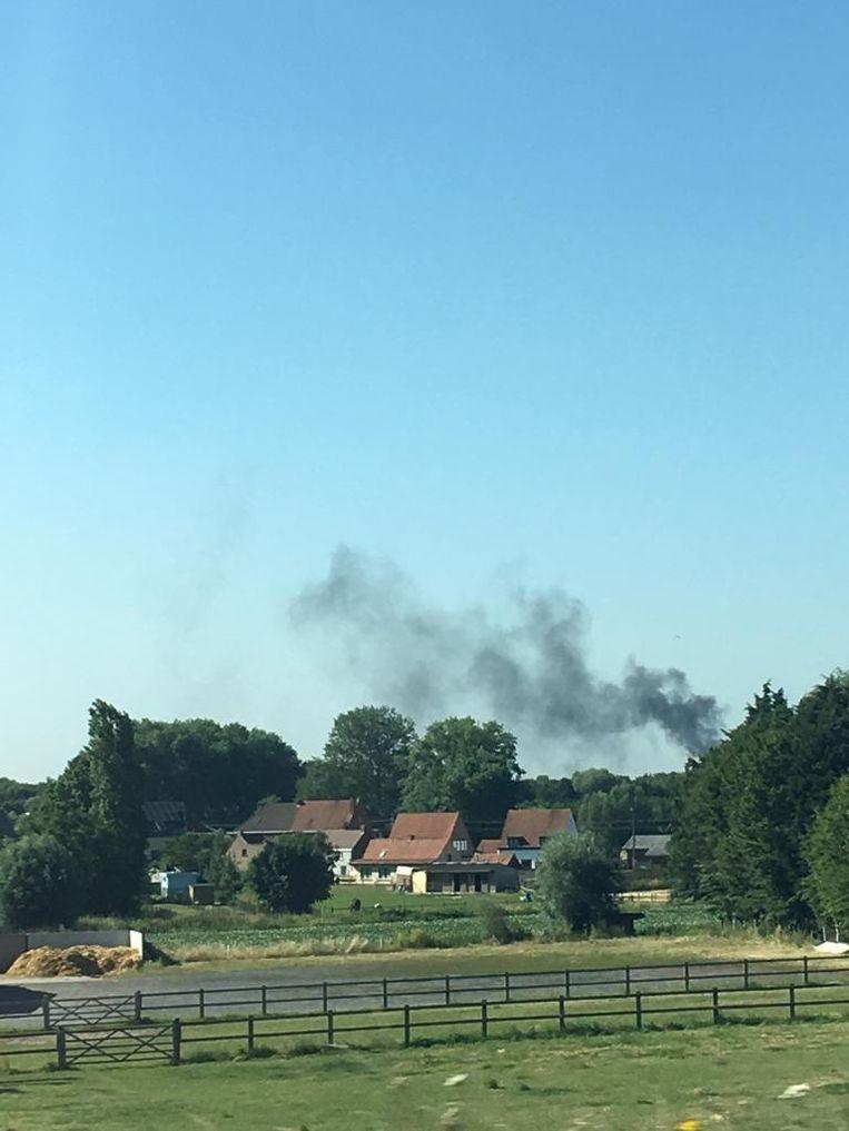Grote rookwolk bij dakbrand appartement in aanbouw