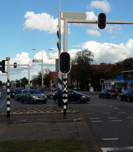 Stoplichten op Leenderweg in Eindhoven werken weer, verwarring op kruising voorbij