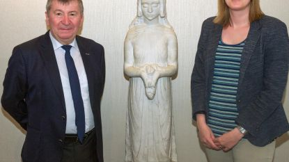 Familie Gebroeders Van Raemdonck schenkt kunstwerk aan gemeente
