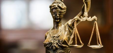 Tilburgse zorgbegeleider hoort zes maanden en beroepsverbod eisen: 'Als behandelaar ga je geen relatie aan'