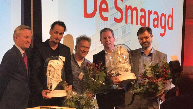 De winnaars van de Zuiderkerkprijs, links Wethouder Eric van Der Burg Beeld Ton Damen