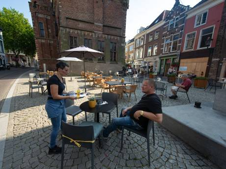 Horeca blij, maar gemengde gevoelens bij de rest over ruimere terrassen in Kampen