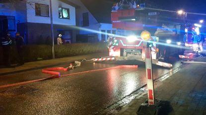 Verwarmingstoestel in slaapkamer vat vuur, bewoners gewekt door rookmelder