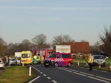 Vier voertuigen betrokken bij ernstige aanrijding in Haaksbergen