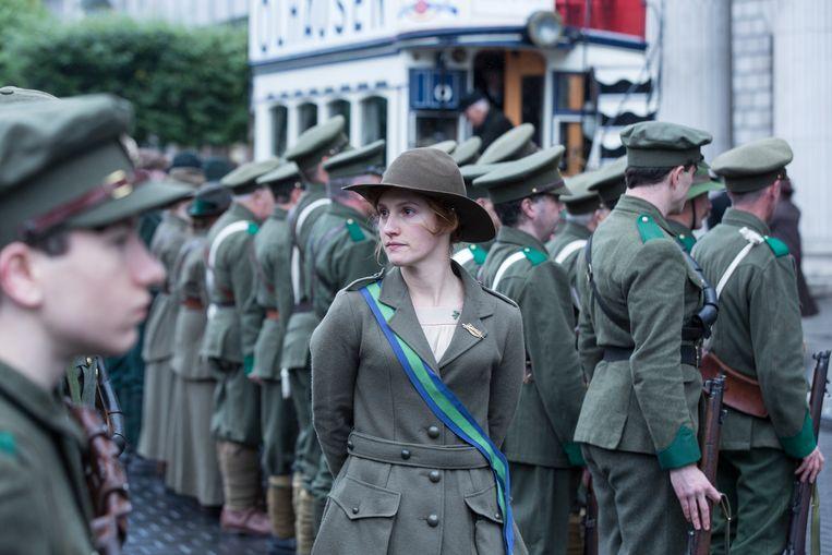 Frances, gehuld in mannenkleding, sloot zich aan bij de Irish Volunteers.  Beeld RV