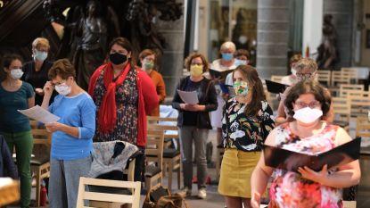 """Eerste koorrepetitie voor Chorus sinds de lockdown: """"Het is even wennen, zingen met een mondmasker"""""""
