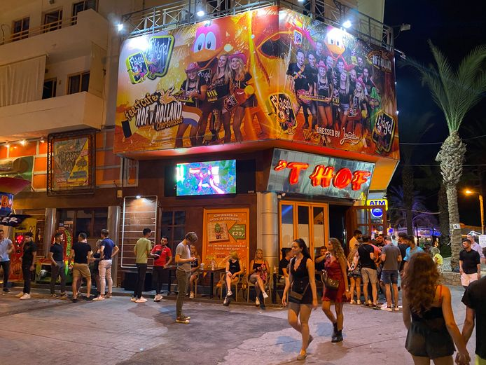 Club Hof van Holland in Chersonissos, Kreta, afgelopen week. Dit weekend werd de club gesloten.