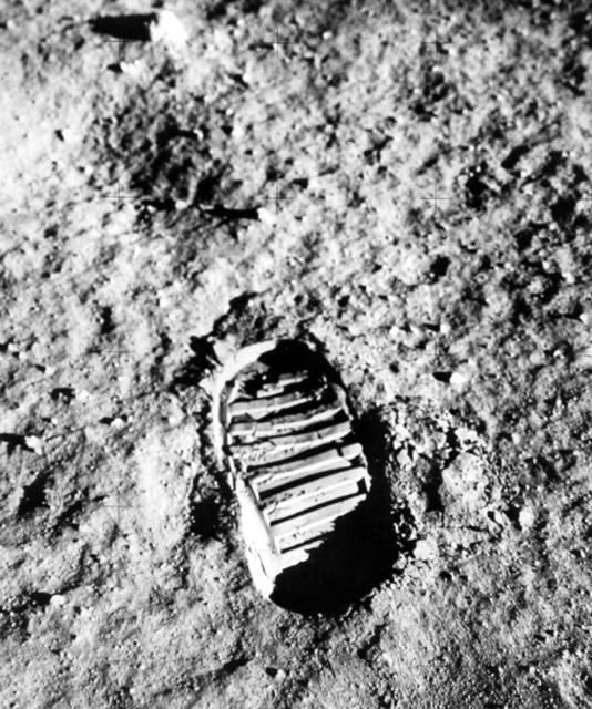 Armstrong zette als eerste voet op de maan.