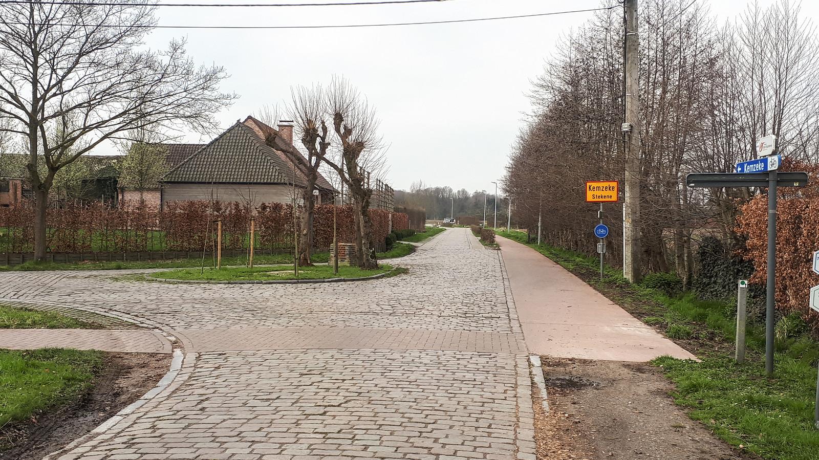 De Wase Keikop - De Heerweg in Kemzeke met de verdwenen Twistkapelletjes