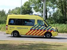 Twee fietsers zwaargewond bij aanrijding in Breda, bestuurder bus rijdt door