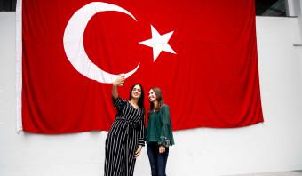 'Belachelijk dat ik hier moet bepalen hoe mensen in Turkije moeten leven'