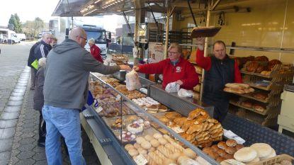 "Enkel voeding op Petegemse markt: ""Mensen kopen meer brood dan anders"""