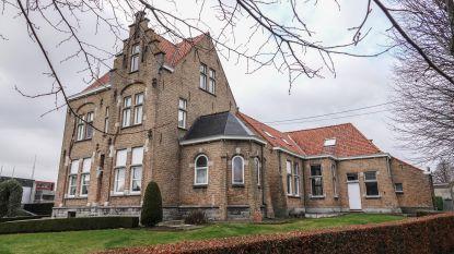 Mesense asielzoekers verhuizen enkele dagen naar Westouter omdat Peace Village volgeboekt is