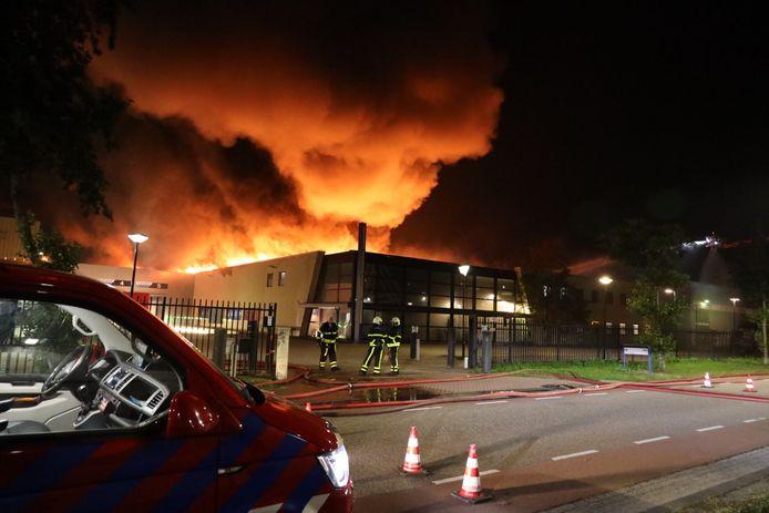 Bij het Waalwijkse bedrijf Lightronics woedde afgelopen week een grote brand.