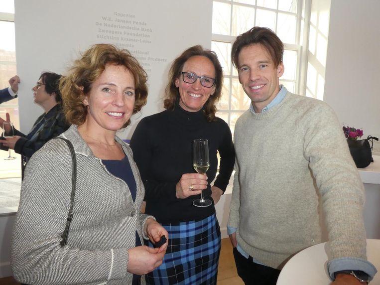 Productiedirecteur Barbara Wittebol, Merel Bussink-Hall, manager van Tessa, en artistiek leider Mathijs Pater. Beeld Hans van der Beek