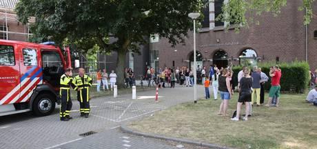 Gezondheidscentrum Kasdonk in Roosendaal ontruimd vanwege brandlucht en rook