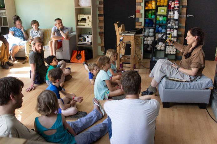 Elsense bibliotheek, Sans Souci, nodigt auteurs uit in de woonkamers van buurtbewoners