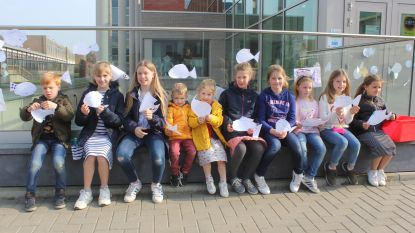 """Aprilvis van SVI pakt verkeerd uit: """"150 euro uitgegeven omdat school aankondigt dat maandag iedereen in uniform naar de les moet komen"""""""