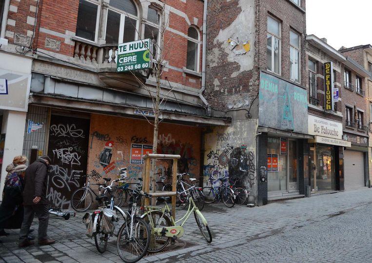 De leegstand in het eerste deel van de Diestsestraat was in 2016 nog veel hoger dan nu. De stad nam enkele panden onder haar vleugels voor pop-ups.