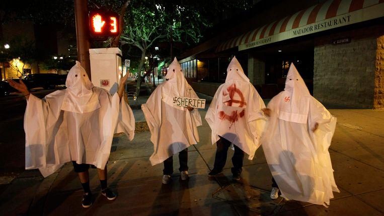 Ku Klux Klan-leden in Phoenix. Beeld reuters
