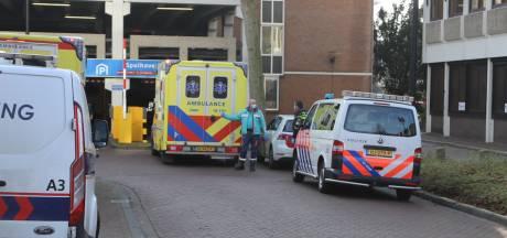 Persoon loopt flinke hoofdwond op bij val in Dordrecht