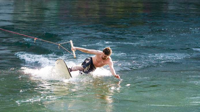 Een wakeboarder in actie. Foto: CC0