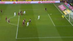 Thorgan Hazard mist eerst op gênante wijze penalty, daarna goed voor elfde goal