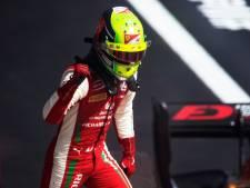 F1-stoeltje voor Schumacher stap dichterbij na tweede zege in F2