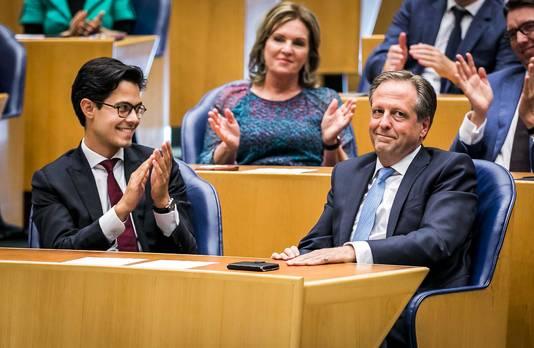 Rob Jetten (D66) en Alexander Pechtold (D66) tijdens het wekelijkste vragenuurtje in de Tweede Kamer.