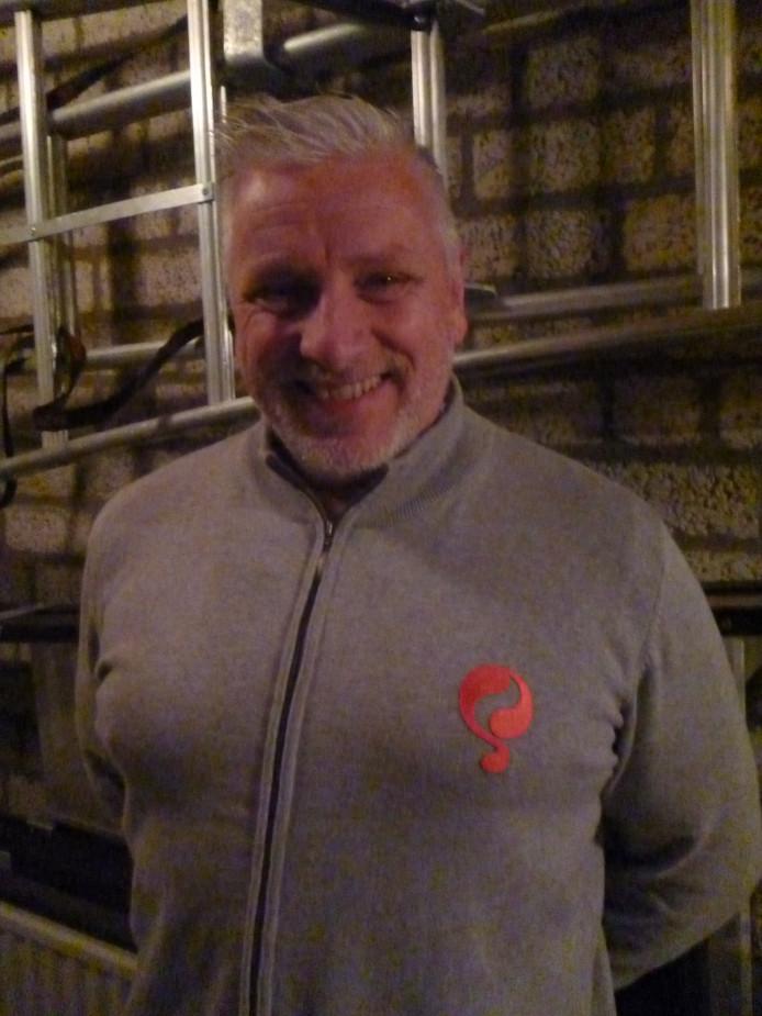 Voetbalbestuurder en 'behangkoning' John van Zweden.
