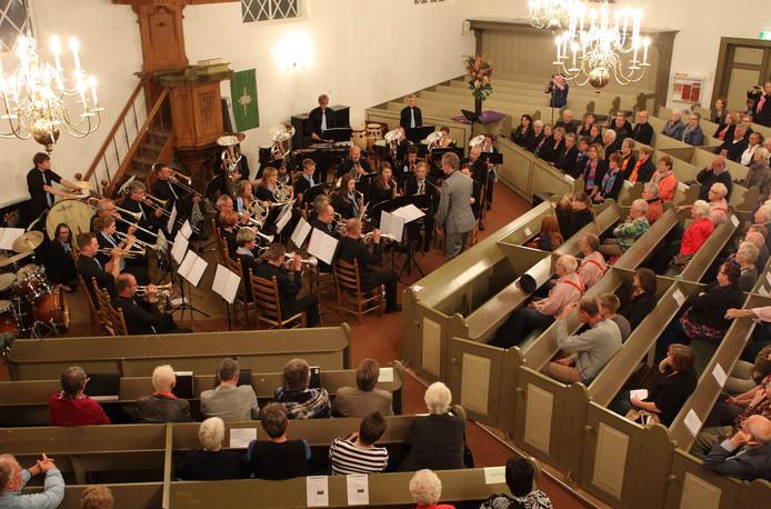 De Open Muziek Estafette in Heino lokt jaarlijks al met al een paar duizend mensen naar de Nicolaaskerk, maar met de financiën blijft het kwakkelen geblazen.