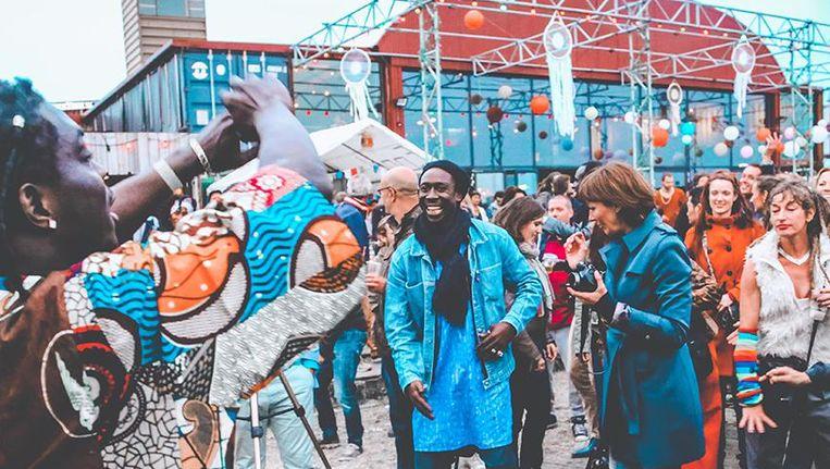 Gezellig zweven en dansen kan tijdens spiritueel festival Sterrenstof Beeld Marit de la Vera