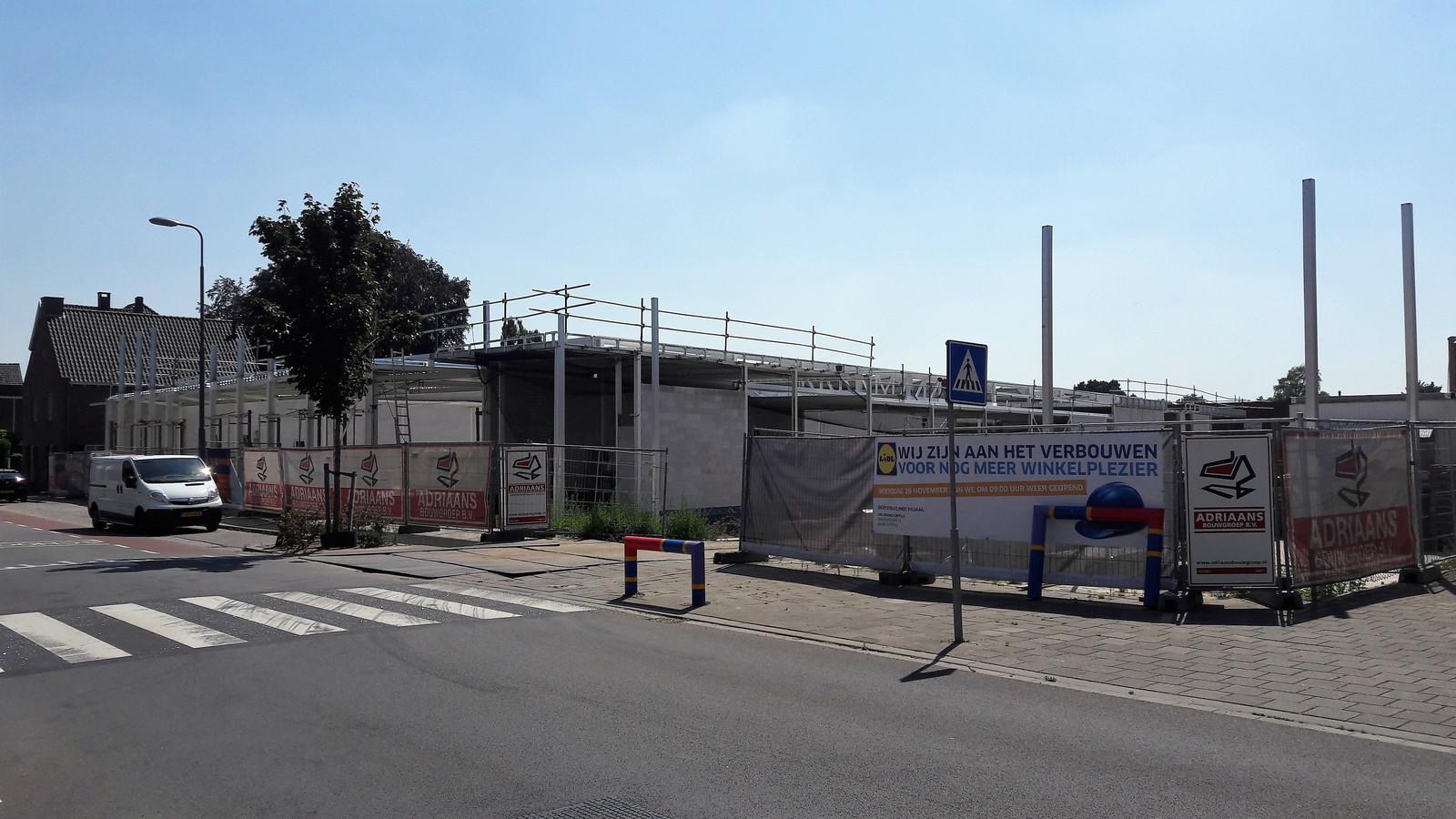 De huidige voetgangersoversteekplaats wordt verlegd voor de nieuwe Lidl-supermarkt.