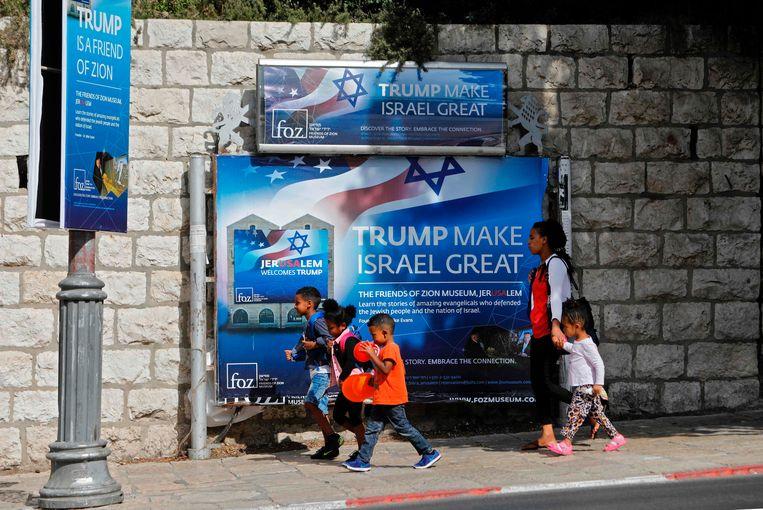 De Amerikaanse president wachtte een warm welkom in Jeruzalem. Beeld AFP