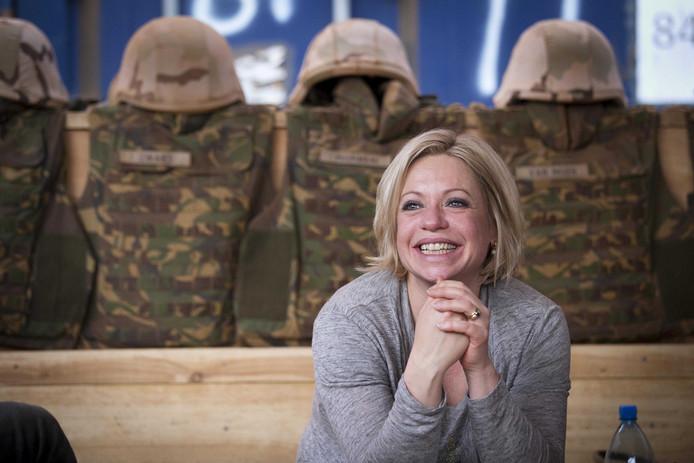 Hennis tijdens een bezoek aan de Nederlandse missie in Mali.