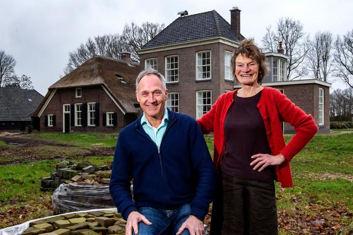 Nellie Verhoef en Henk van der Wal kochten vijf jaar geleden landgoed De Vlaminckhorst. Eindelijk zijn ze nu zover dat ze mensen het resultaat van de renovatie konden laten zien.