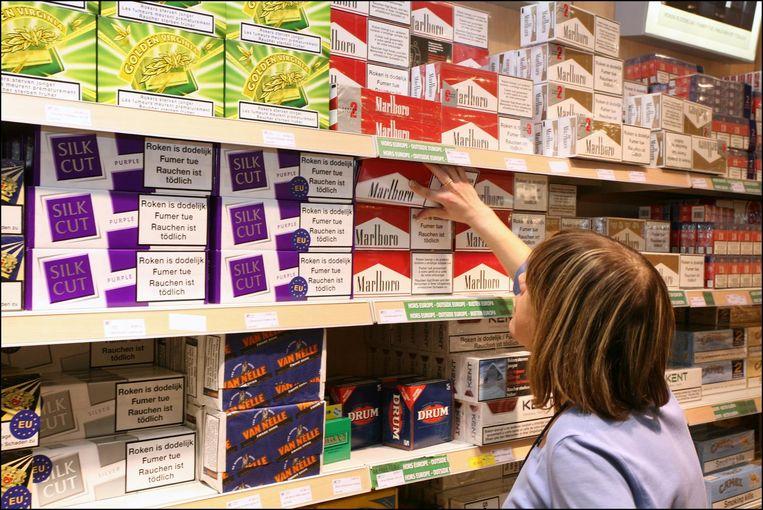 Omwille van de volksgezondheid hebben landen als Frankrijk, Zweden, Finland, Denemarken en Ierland de accijnzen op tabak en alcohol aanzienlijk verhoogd, maar in landen als België kunnen de producten nog altijd een stuk goedkoper aangekocht worden.