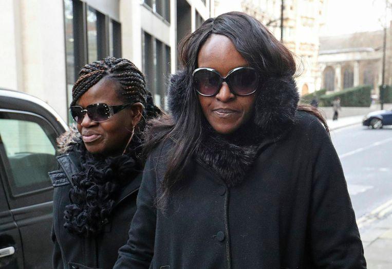 Fiona Onasanya, rechts, arriveert in the Old Bailey, Londen, voor het vonnis op 29 januari.  Beeld AP