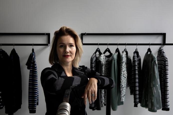 Mode-ontwerpster Emily Hermans creëerde nieuwe markten dankzij corona.