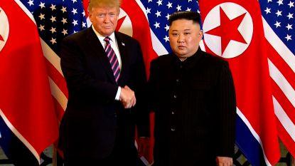 Kim Jong-un en Trump schudden elkaar de hand tijdens topontmoeting in Vietnam